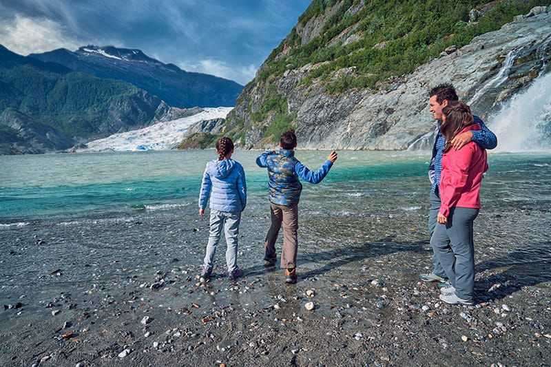 Explora Alaska por tierra y mar
