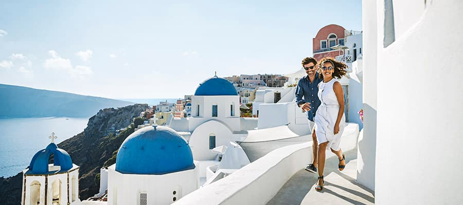 Escápate a Santorini, Grecia, con Norwegian
