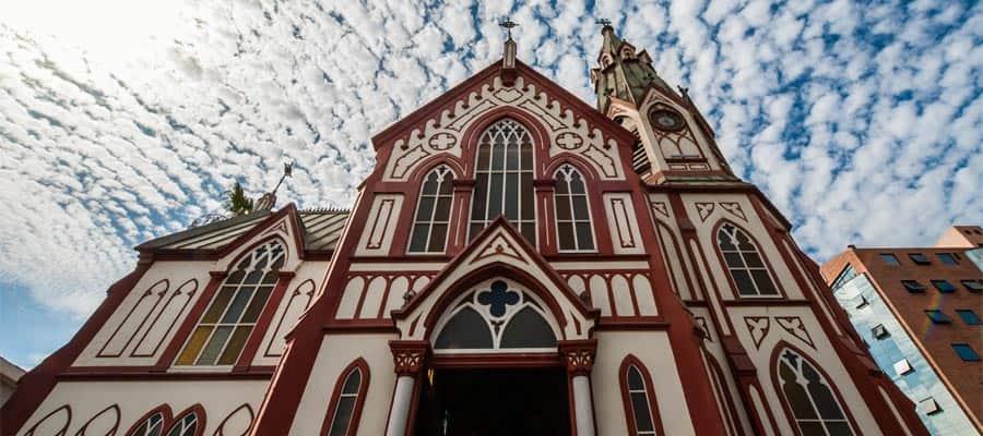 La iglesia gótica de San Marcos en un crucero a Arica