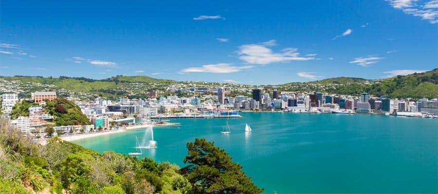 Aguas azules de Wellington en un crucero a Nueva Zelanda