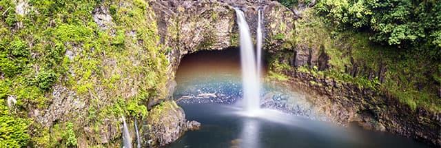 Rainbow Falls en tus vacaciones en Hawái