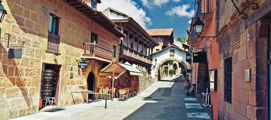 Poble Espanyol en Barcelona, España