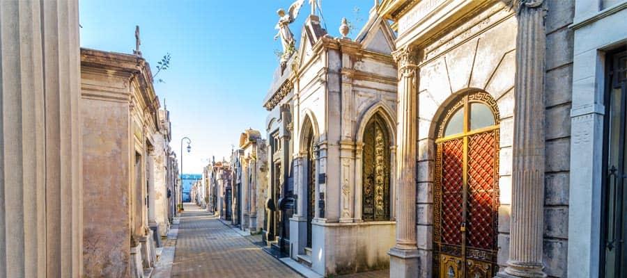 Visita el Cementerio de la Recoleta en Buenos Aires