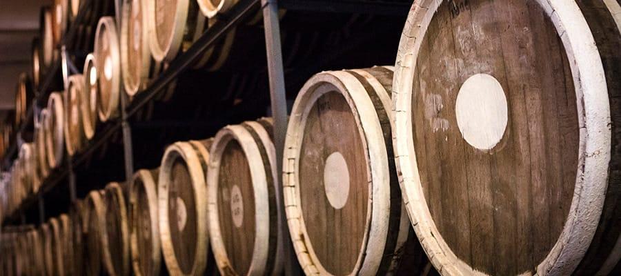 Barriles de brandy de ciruela en cruceros a Burnie