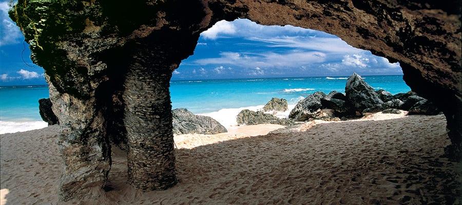 Descubre los arcos rocosos en tu próximo crucero a las Bermudas