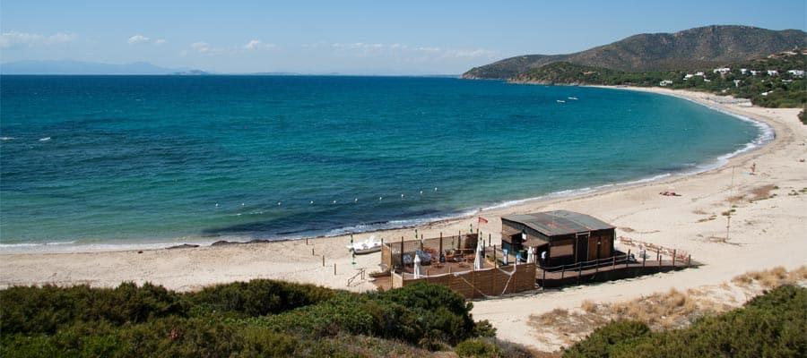 Playa Cala Serena en tu crucero a Calgliari