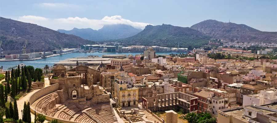Vista de Cartagena sobre el anfiteatro romano