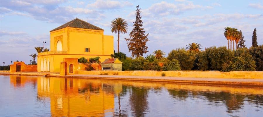 Pabellón de jardines saadís en los jardines de la Menara