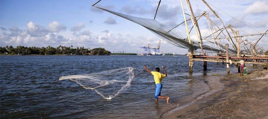 Pescador en cruceros a Cochin