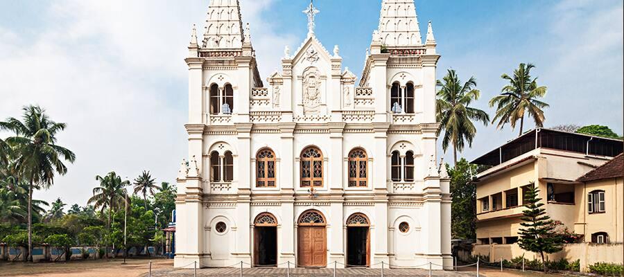 Basílica de Santa Cruz en cruceros a Cochin