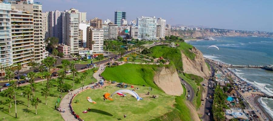 Toma aérea de la ciudad de Lima