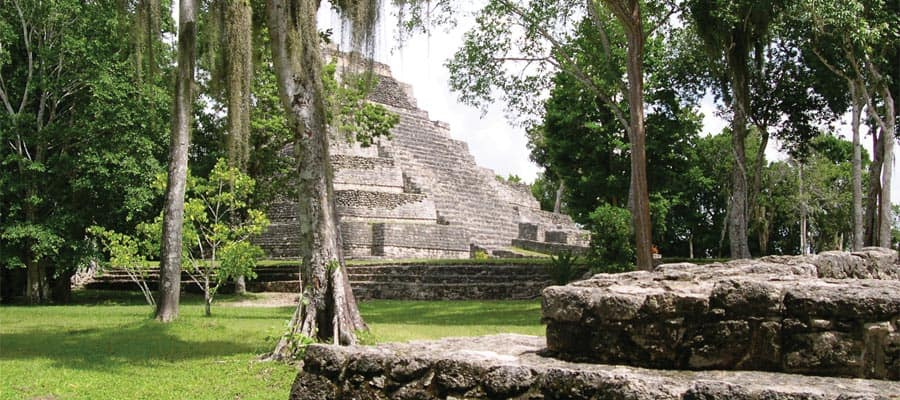 Ruinas mayas de Chacchobén en Costa Maya