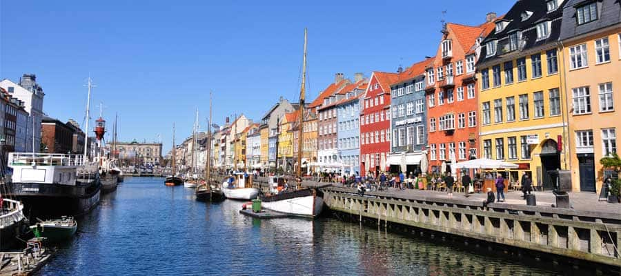 Muelle de Nyhavn en tu crucero a Copenhague