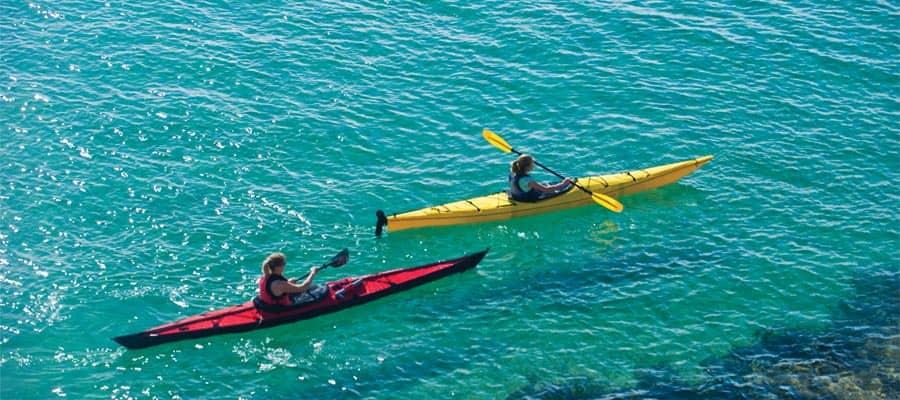 Pasea en kayak en las aguas cristalinas de Cabo San Lucas
