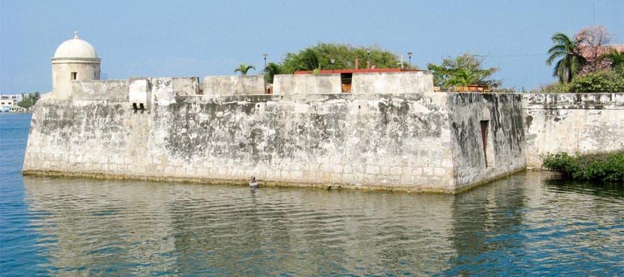 Muro de Cartagena de Indias en un crucero por América del Sur