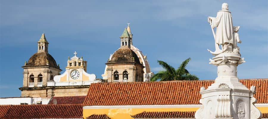 Monumentos históricos en un crucero por América del Sur