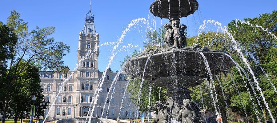 El Parlamento de Quebec en un crucero por Canadá y Nueva Inglaterra