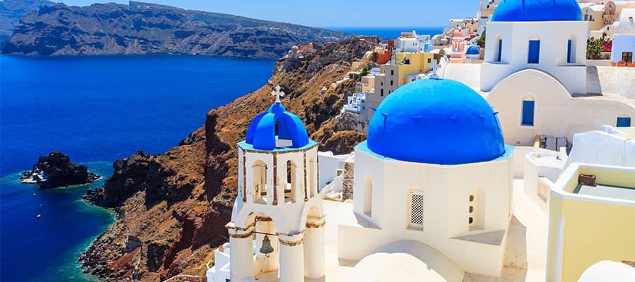 Conoce Santorini, Grecia, con nuestros cruceros por el Mediterráneo