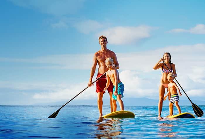 Amigos y familiares viajan gratis