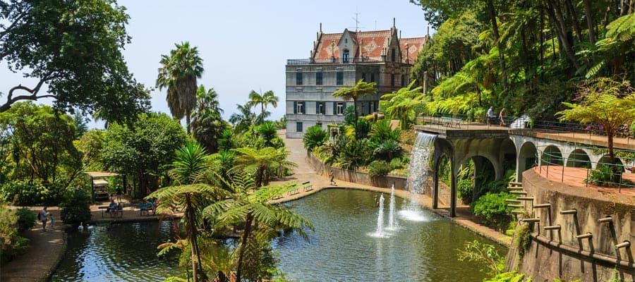 Palacio en el lago en tu crucero a Funchal