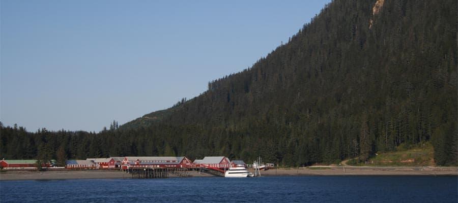 Aldea nativa en tu crucero por Alaska