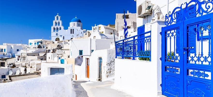 Viaja a Santorini, Grecia, y explora la ciudad como un lugareño más con Norwegian