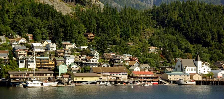 Vista pintoresca de la ciudad en Ketchikan, Alaska