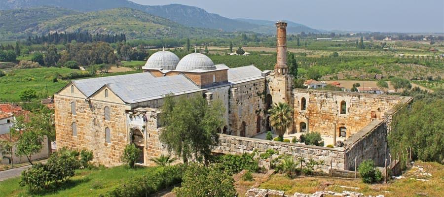 Mezquita de Isa Bey en tu crucero en Turquía