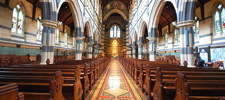 Interior de la Catedral de San Pablo en un crucero a Melbourne