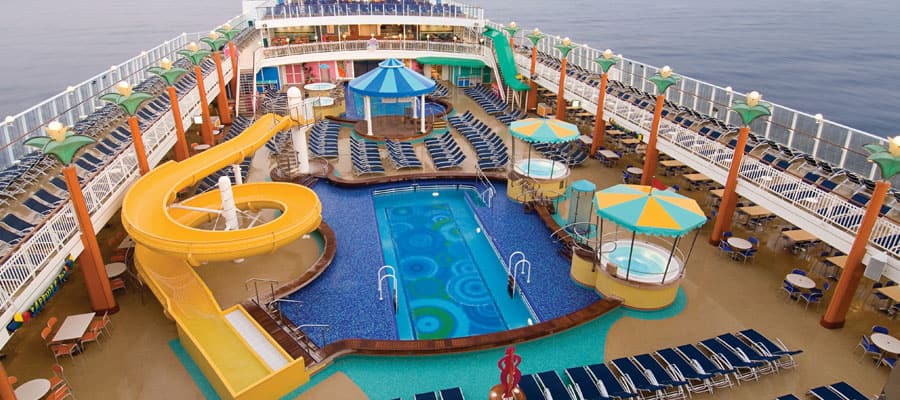 MI-pools-aqua-parks-jewel-deck-1