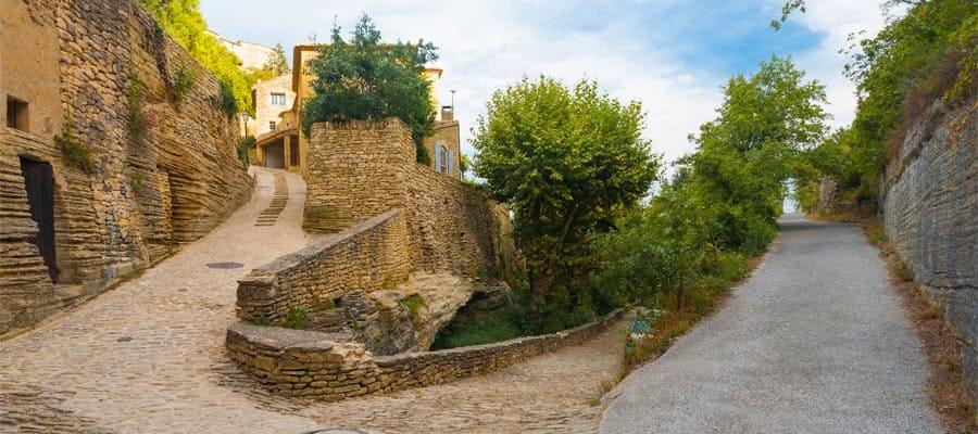 Conoce el poblado medieval de Gordes en cruceros a Provenza