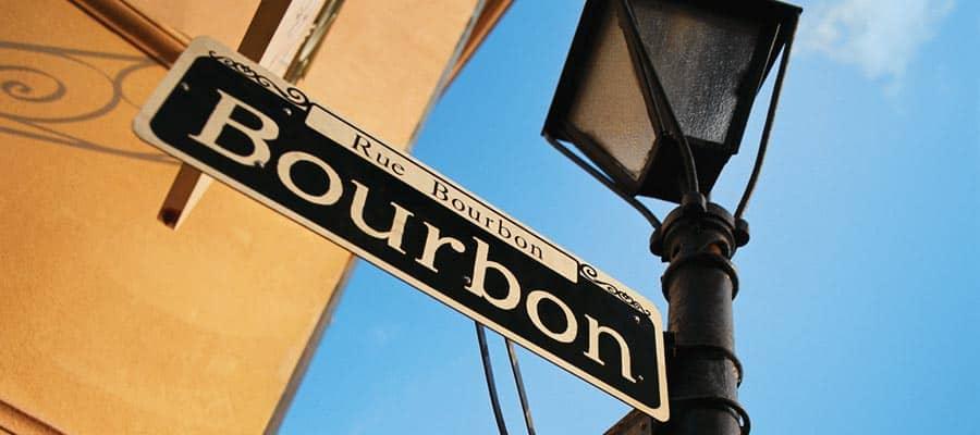 Recorre Bourbon St. en tu crucero en Nueva Orleans