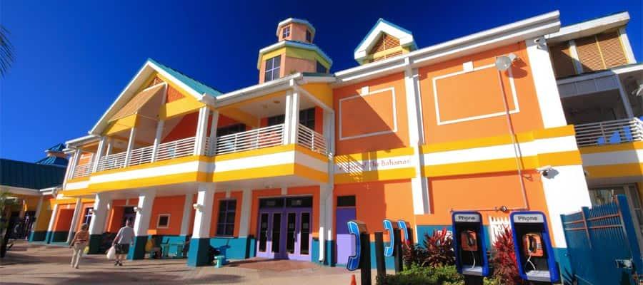 Explora los coloridos edificios de Nasáu, Bahamas