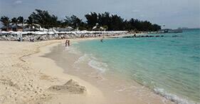Descanso en la playa de la isla Balmoral