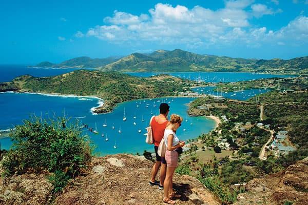 Haz algunos amigos en una caminata en Tórtola