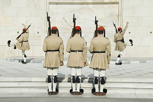 Práctica de soldados griegos en Atenas