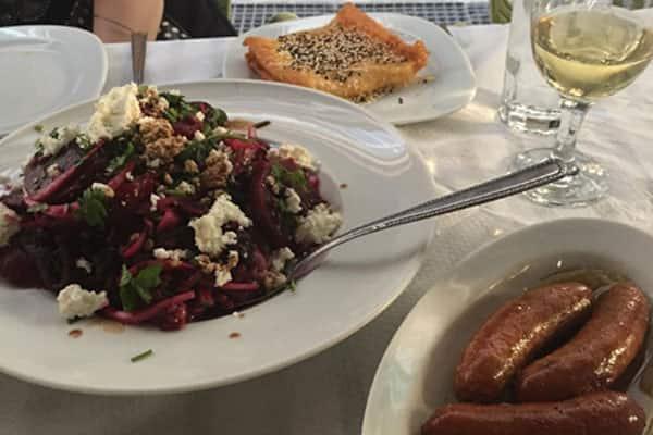 Saborea la fabulosa cocina griega en Atenas