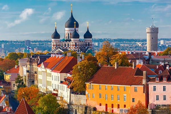 Visita la Colina de Toompea en tu crucero a Tallin, Estonia
