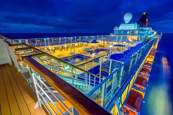 Por qué deberías agregar un crucero en Hawái a tu lista de deseos