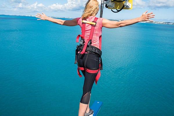 Camina por The Plank en Norwegian Cruise Line