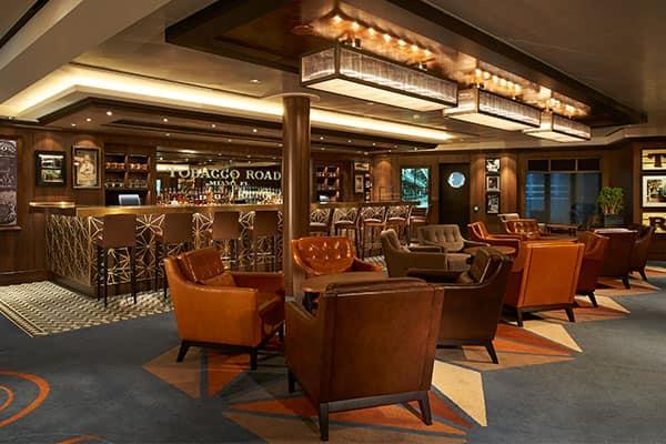 Smoke Fashion renovado en el bar más antiguo de Miami