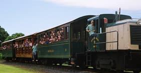 Luau Kalamaku y tren en la plantación