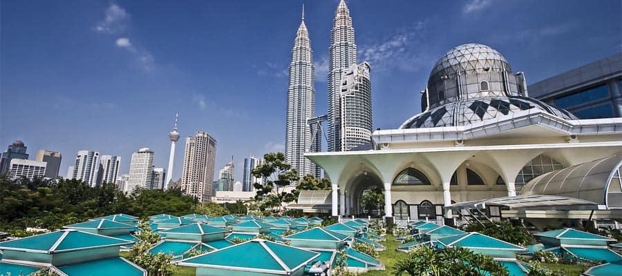 Torres Petronas en un crucero a Puerto Klang
