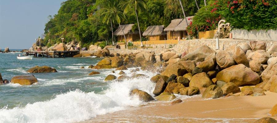 Playa tropical virgen en cruceros por la Riviera Mexicana