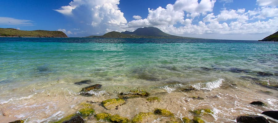 Mira todos los tonos de azul en tu crucero a St. Kitts