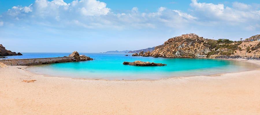 Playa Cala Cortina en tu crucero por Europa