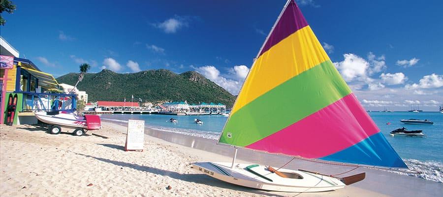 Pasea en un catamarán en el Caribe