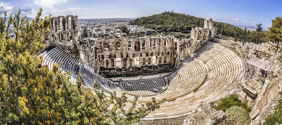 Famoso teatro Odeón en tu crucero a Atenas