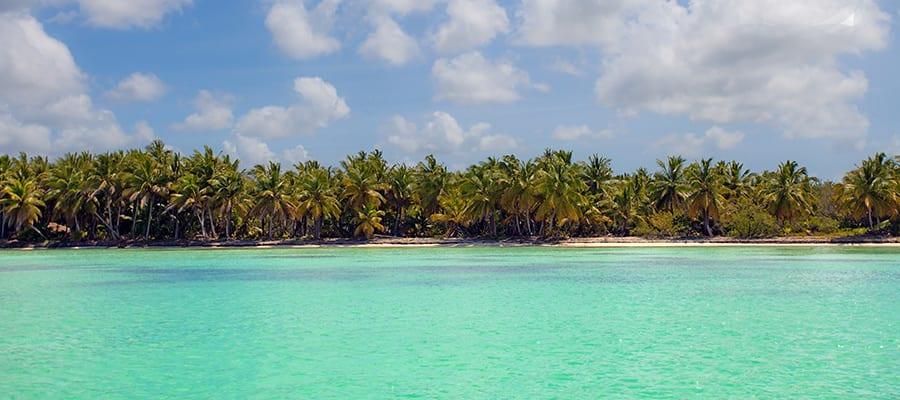 Aguas cálidas del Caribe en cruceros a Santo Domingo