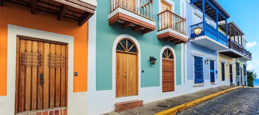 Edificios coloridos en tu crucero por el Caribe